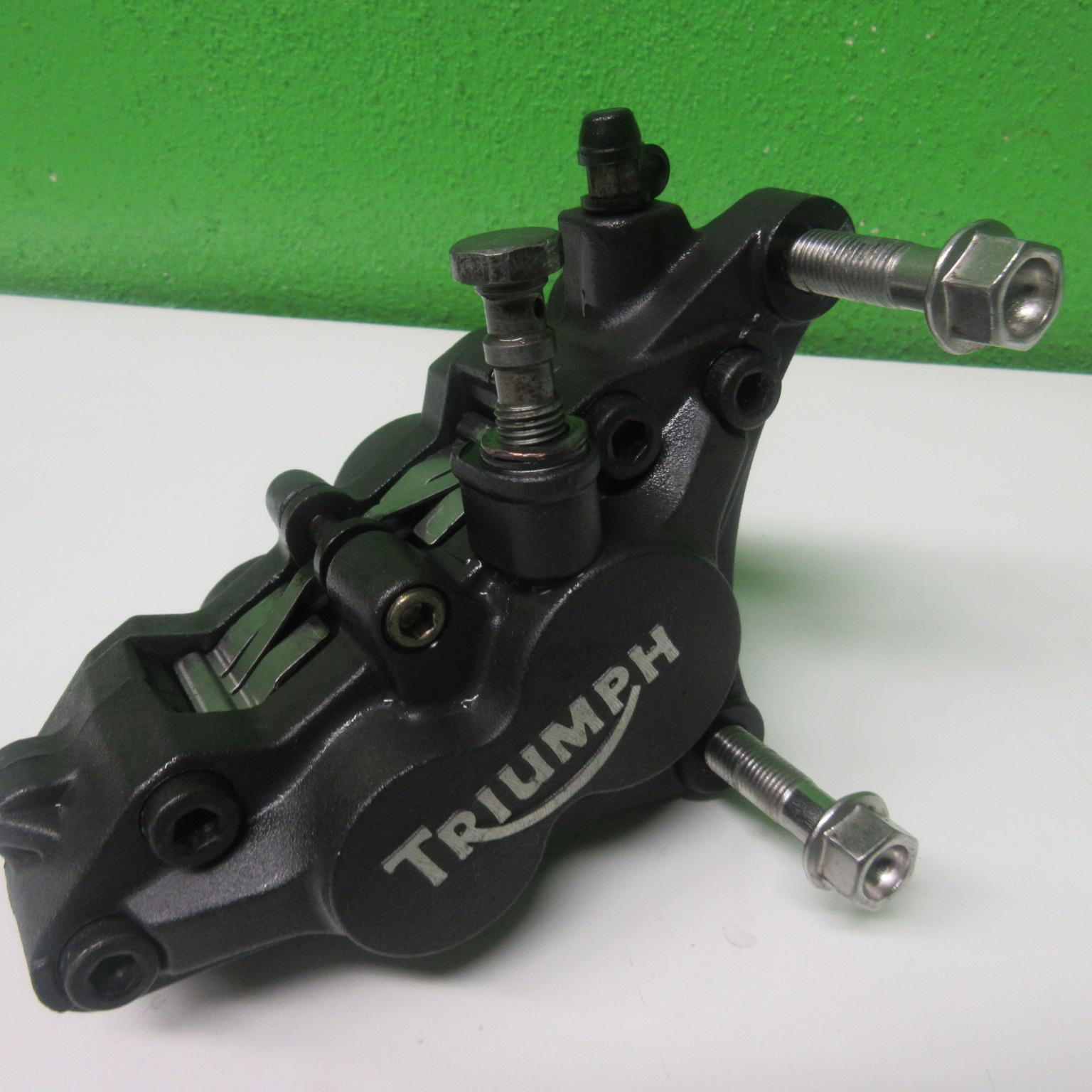 Bremssattel vorne rechts Triumph Sprint RS 955 695 AC